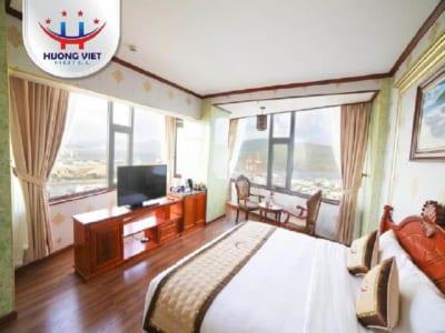 Phòng giường Queen khách sạn Hương Việt Quy Nhơn