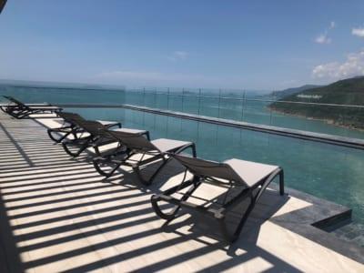 khách sạn Anya Premier tầng thượng - Bể Bơi vô cực tầng 24